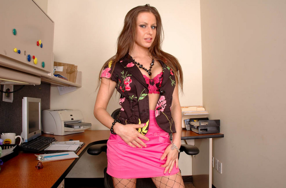 Watch Rachel Roxxx video in Live Naughty Secretary
