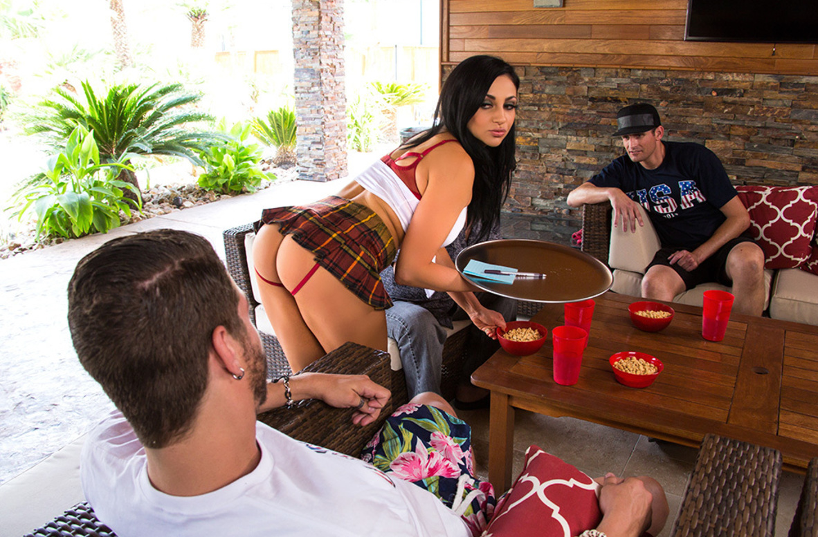 Watch Audrey Bitoni and Xander Corvus 4K video in My Dad's Hot Girlfriend