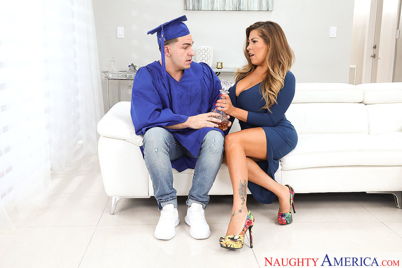 Naughtyamerica – ALESSANDRA MILLER & PETER GREEN Site: My Friend's Hot Mom