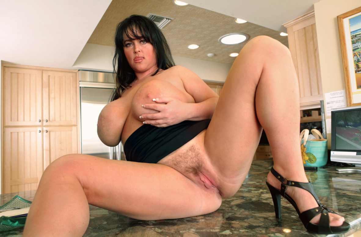 Indianna Jaymes Fucking In The Kitchen With Her Hairy Pussy-4421