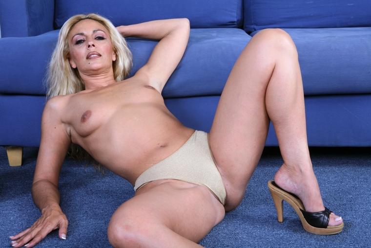 Kristen stewart see through bikini