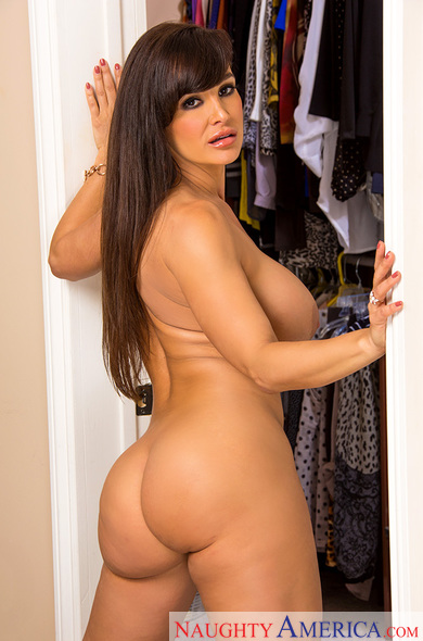 Lisa Ann fucking in the bedroom with her big ass