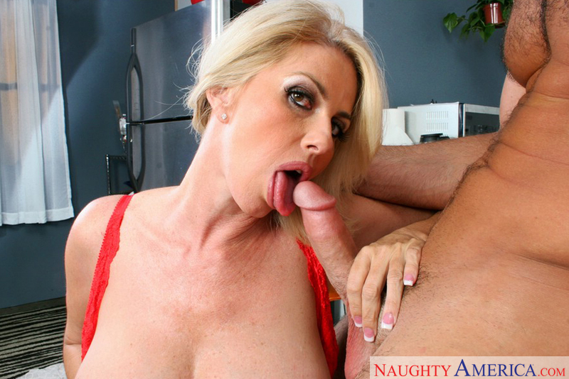 Topless amateur blonde milf