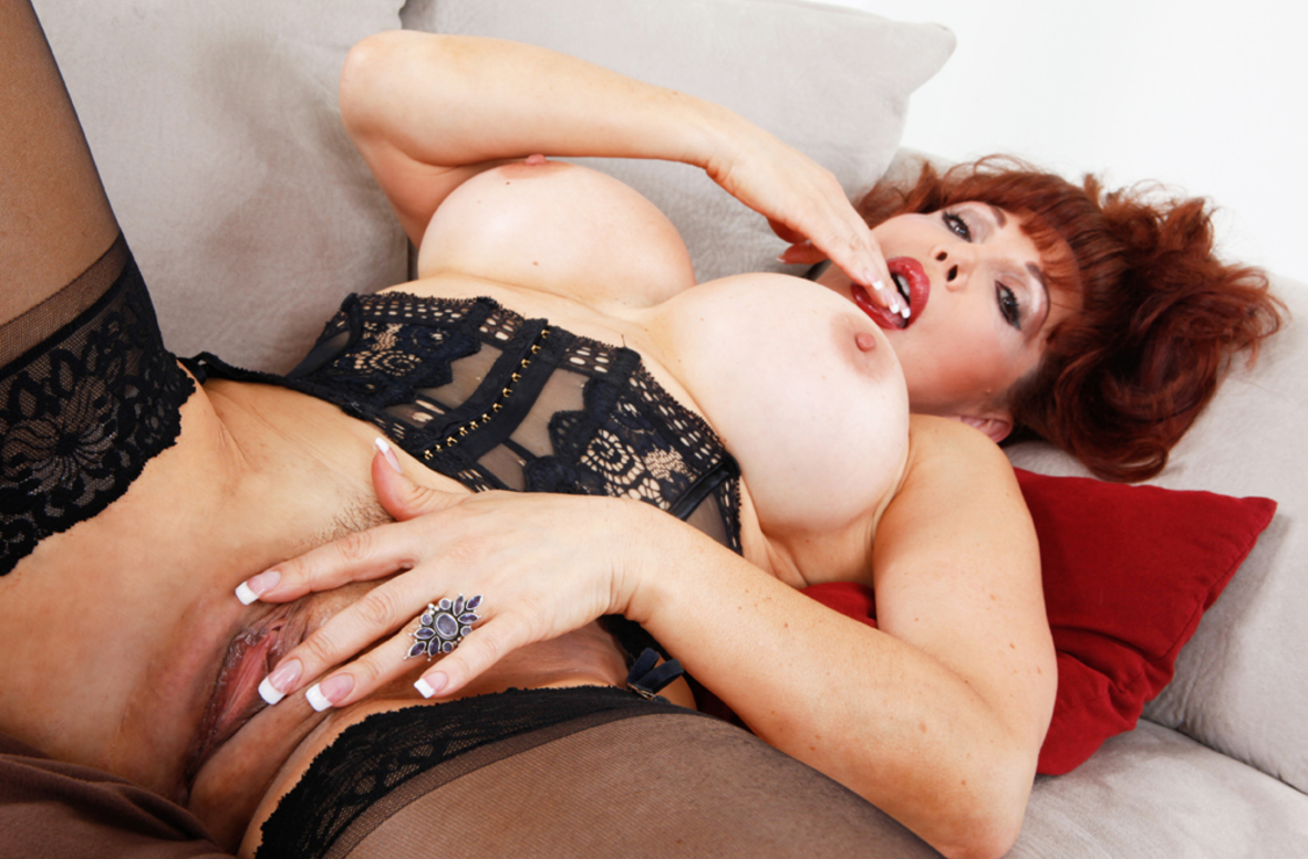 Watch Sexy Vanessa and Gabriel D'Alessandro video in My Friend's Hot Mom