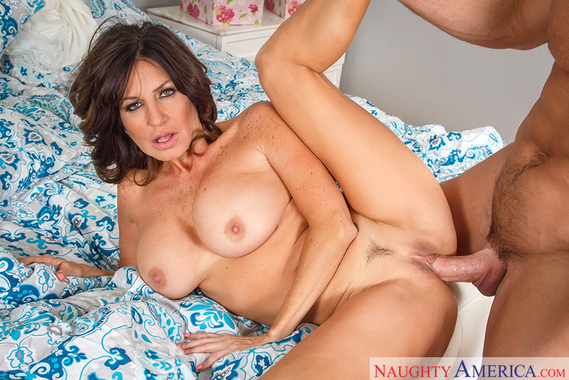MILF Tara Holiday fucking in the bed with her tits - Sex Position 3