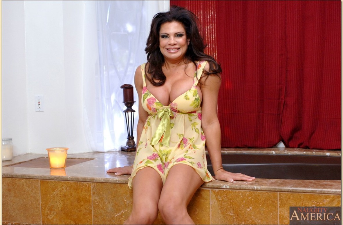 Teri Weigel Fucking In The Floor With Her Athletic Body  Page 2-1922