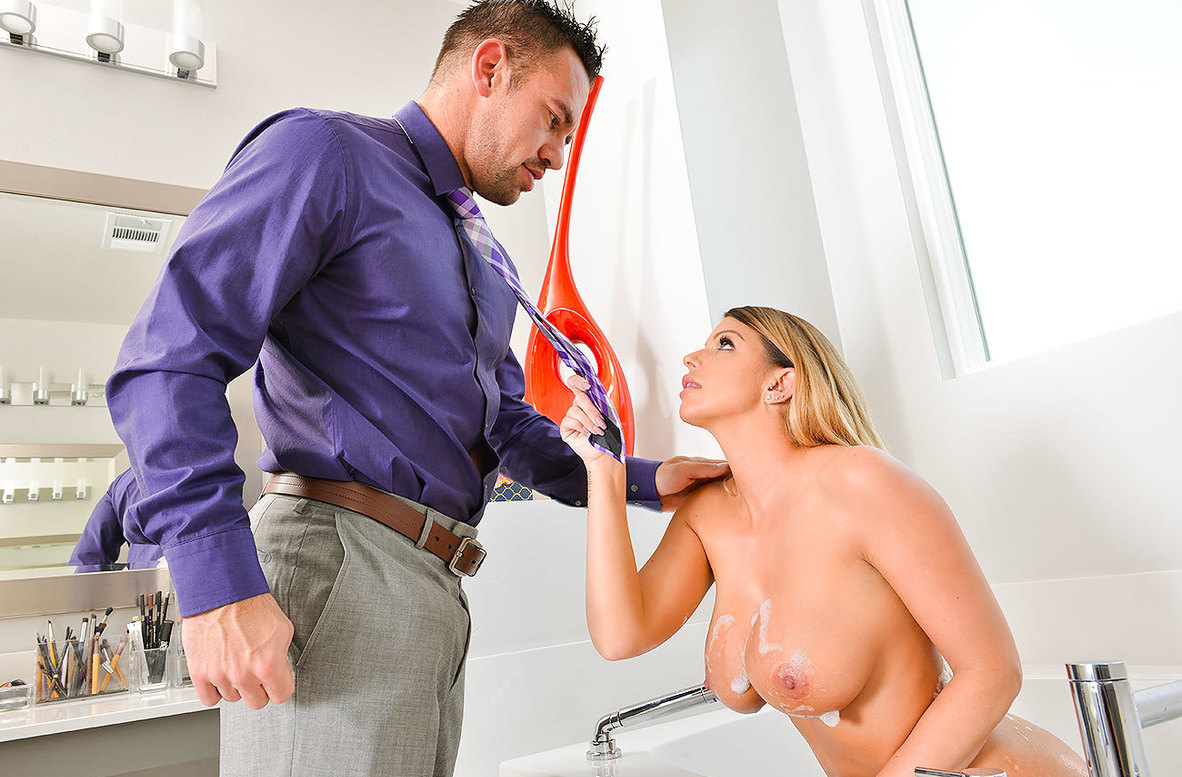 Watch Brooklyn Chase and Johnny Castle 4K video in My Girlfriend's Busty Friend