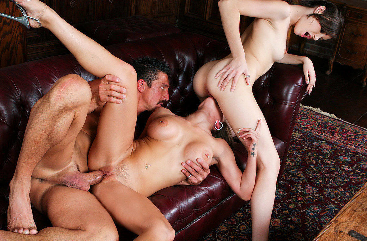 Watch Rachel Roxxx, Sasha Grey and Tommy Gunn American video in Neighbor Affair