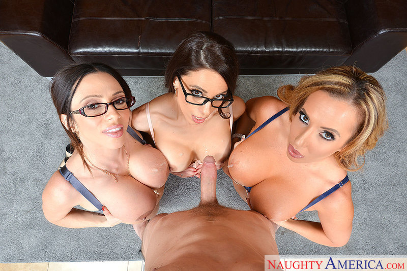 Ariella Ferrera fucking in the floor with her tits vr porn - Sex Position 3