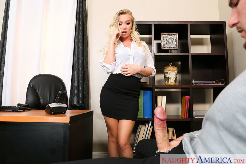 Boss Bailey Brooke fucking in the office with her tattoos - Sex Position 1