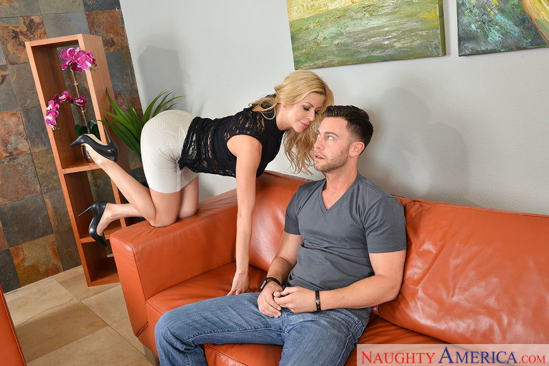 Alexis Fawx fucking in the couch with her innie pussy - Sex Position 1