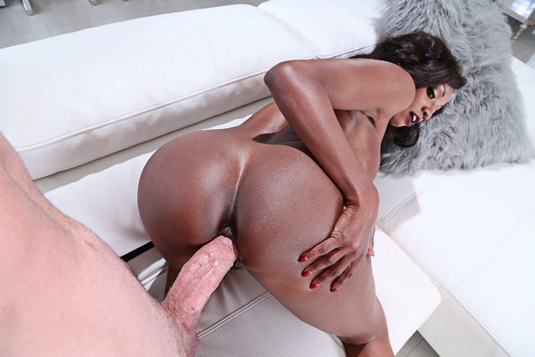 Diamond Jackson fucking in the couch with her big tits