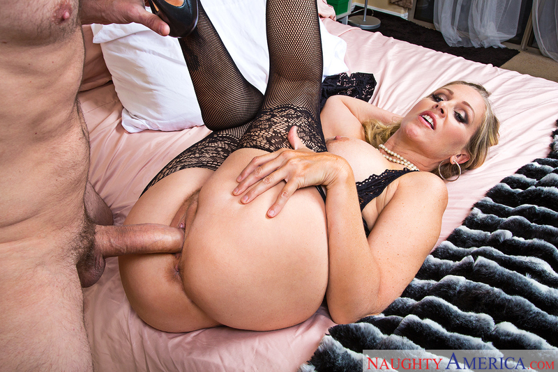 Client Julia Ann fucking in the bedroom with her tits - Sex Position 2